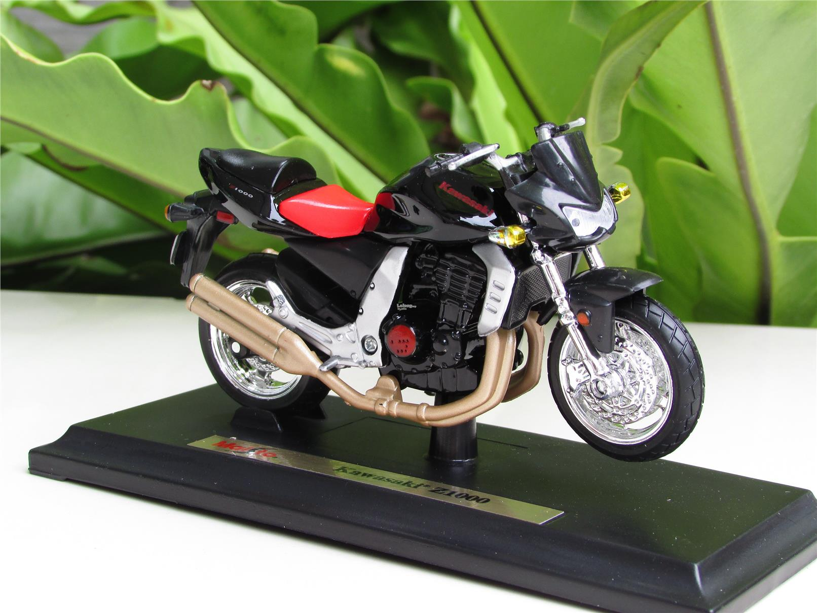 Maisto 1 18 Diecast Motorcycle Kawas End 7 29 2019 5 41 Pm