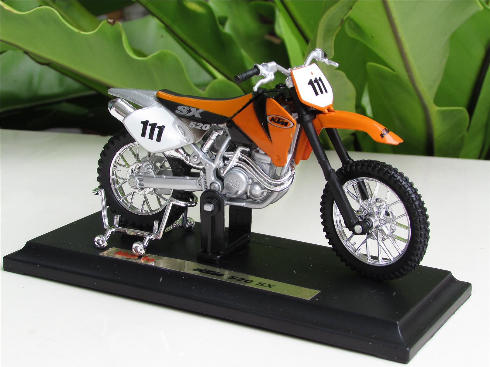 Maisto 1/18 Diecast Motorcycle KTM 520 SX #111 Orange