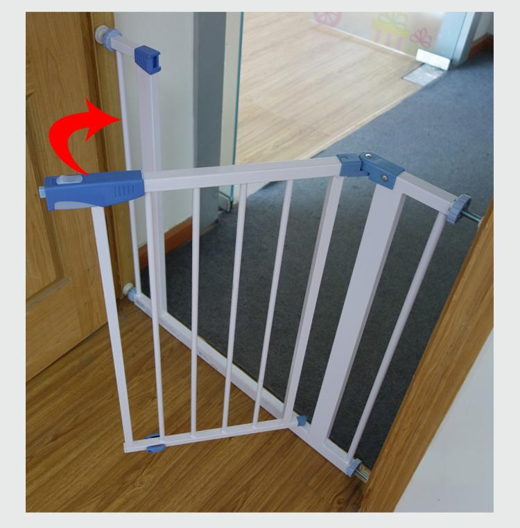 Mamakiddies Baby Safe Auto Lock Security Gate Fit 75 81 Cm
