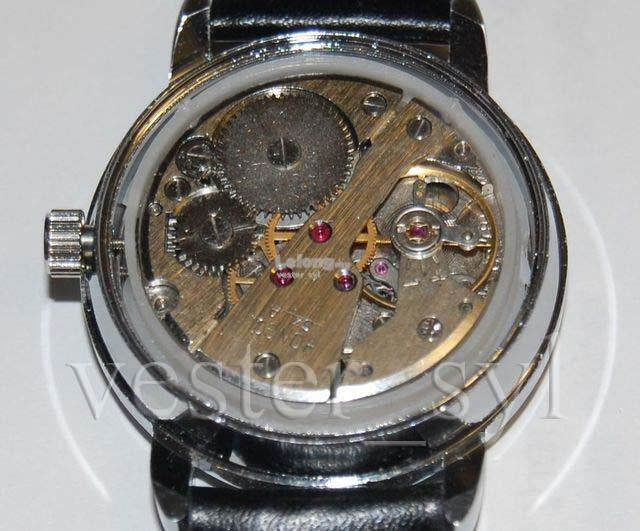 Mao Tse-Tung Waving Mechanical Manual Winding Watch