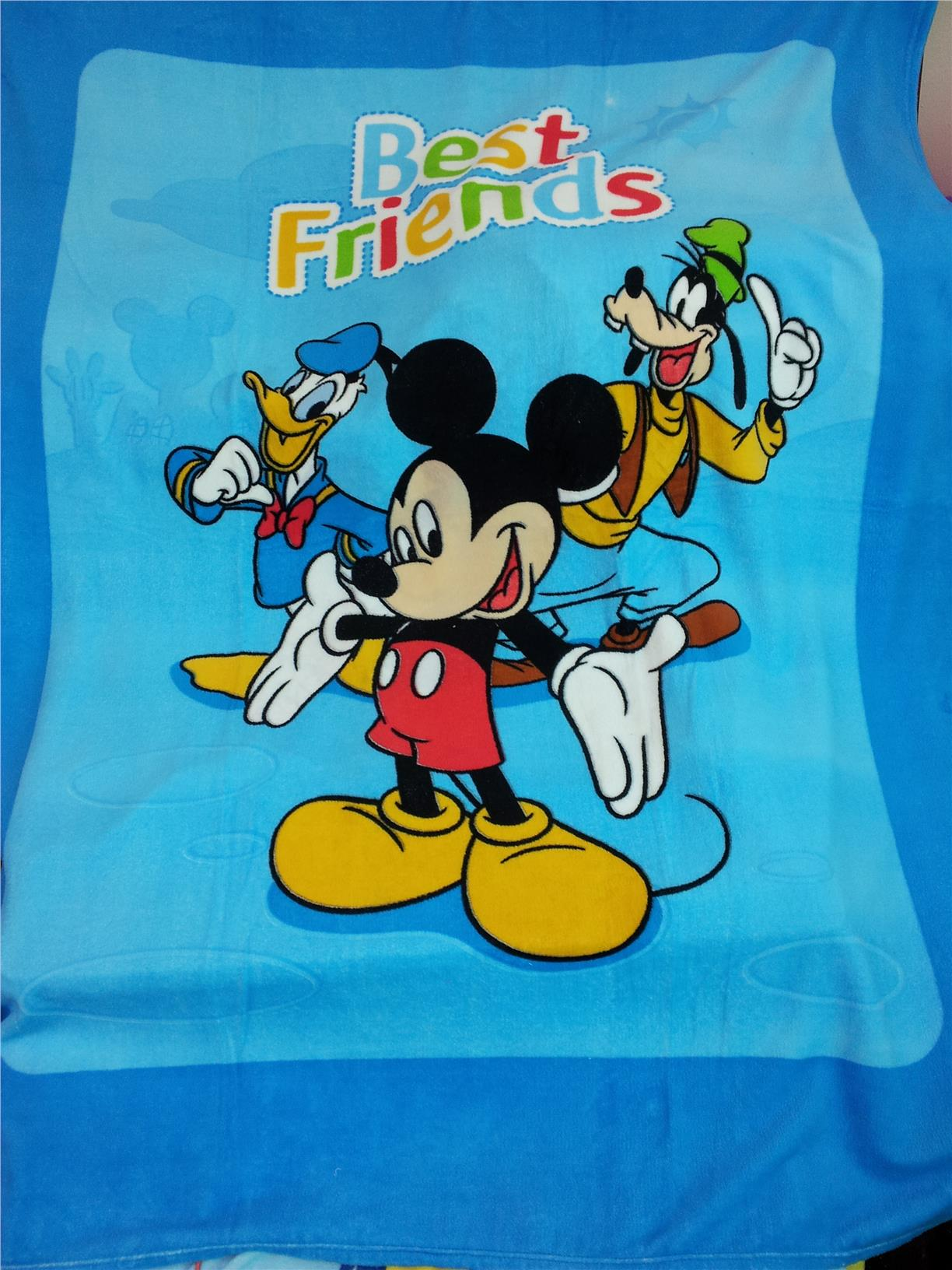 MICKEY & FAMILY CORAL FLEECE BLANKET