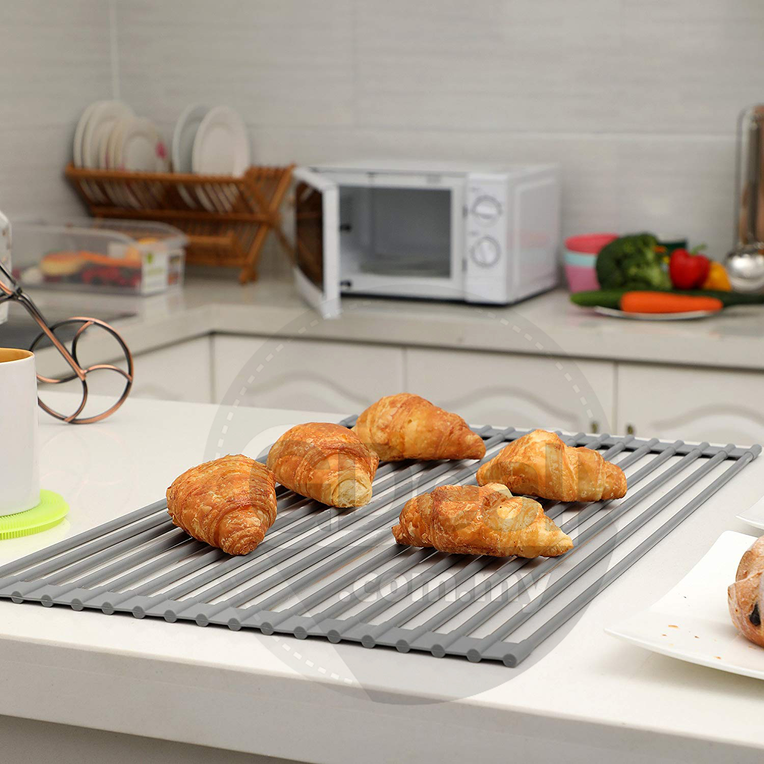 Multipurpose Heat Resistant Roll-Up Dish Drying Rack