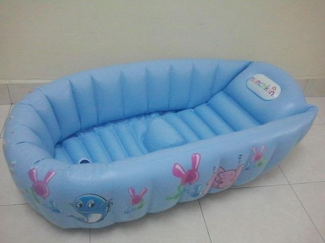 Munchkin Inflatable Baby Bathtub Non- (end 7/1/2018 1:15 PM)