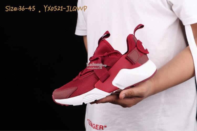 cdee2af53a2e NIKE AIR HUARACHE CITY LOW 5 red (end 5 22 2019 3 15 PM)