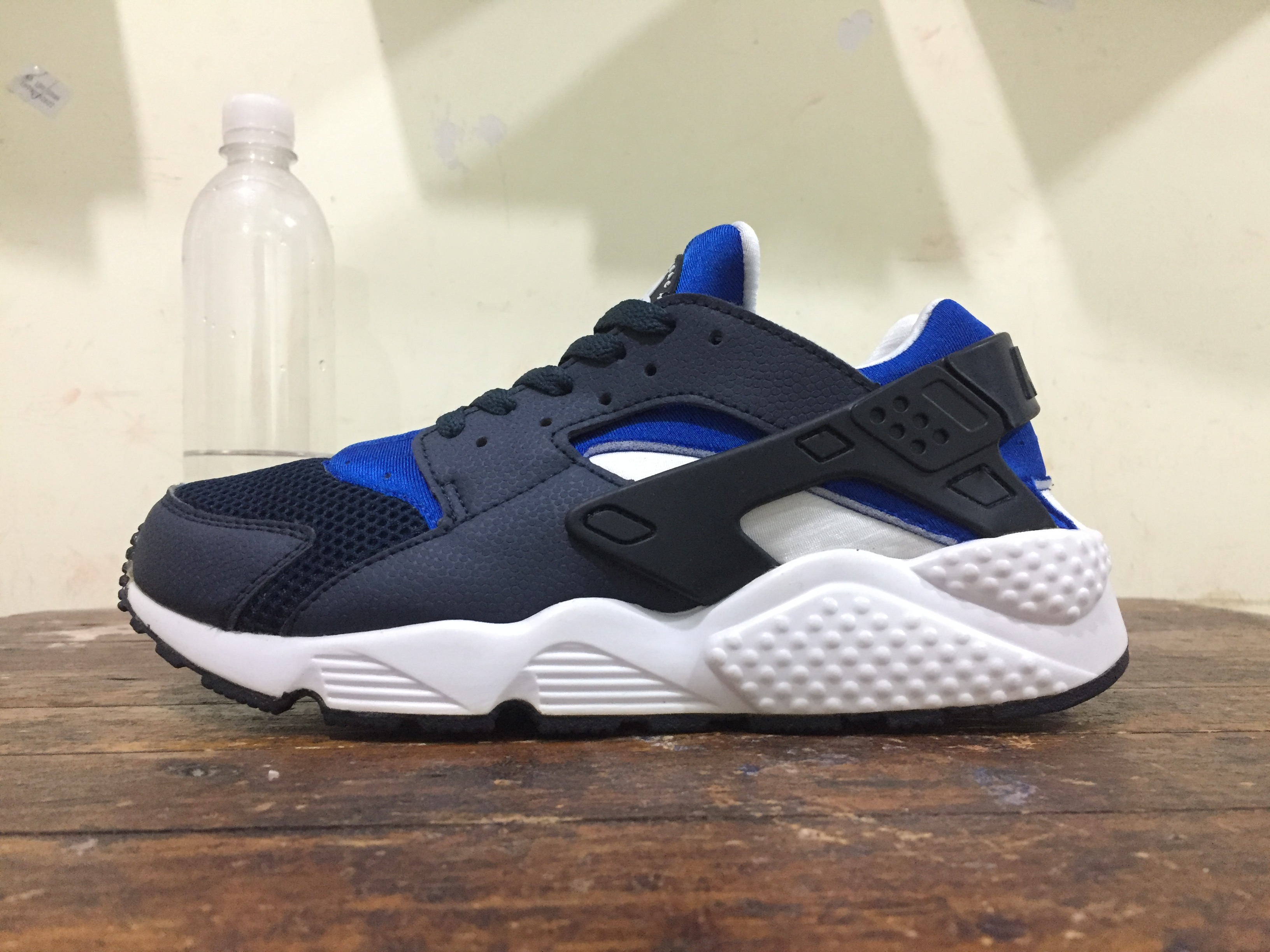 71c942d9ac9f4 ... wholesale nike air huarache dark blue white. u2039 u203a 1e830 4cbdc