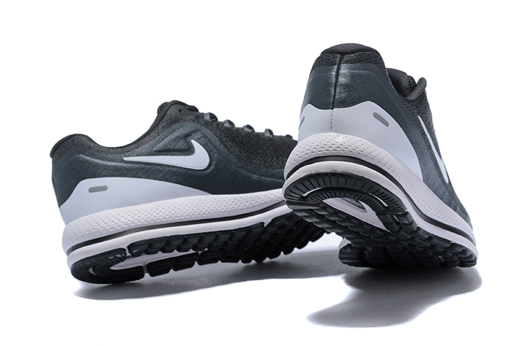 new product 4319d 56886 ... new zealand nike air zoom vomero 13 black white 06308 5671c