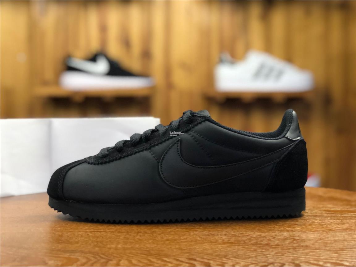 Nike Classic Cortez. ‹ ›