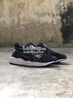 competitive price ce707 b1682 Nike Huarache Supreme