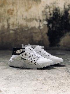 competitive price 8189b 91bac Nike Huarache Supreme