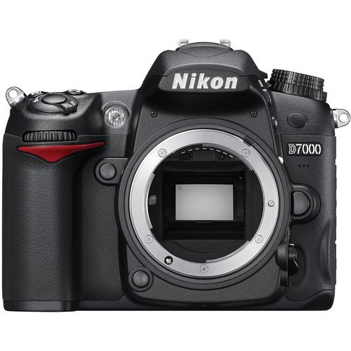 Nikon D7000 + 18-105mm + 50mm f1.8D + 8GB + bag  _ Msia warranty