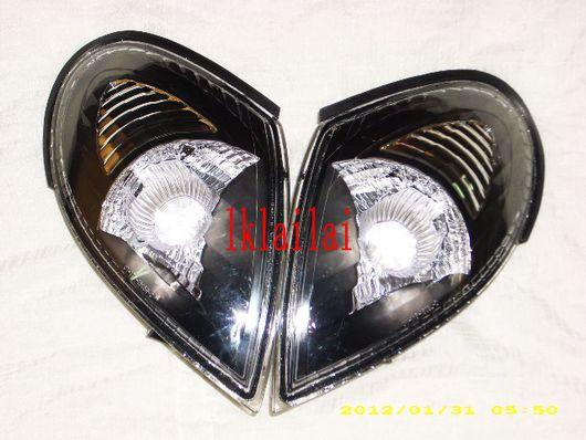 Nissan Sentra N16 `01 Corner Lamp Crystal Black [NS10-CL02-U]