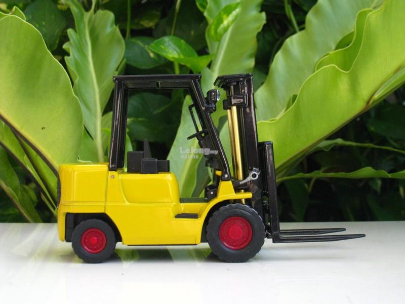 Novelty Table Lighter Forklift Tractor Shape (C22 )Yellow