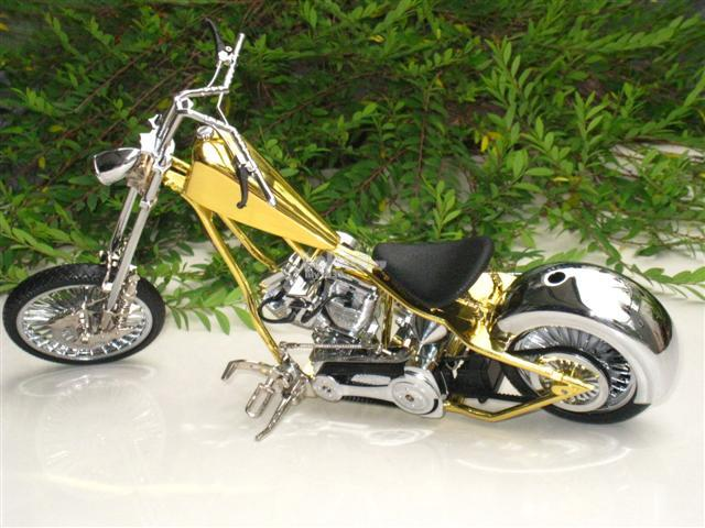 Novelty Table Lighter JetFlame 1/9 Harley Motorcycle Bike Shape (Gold)