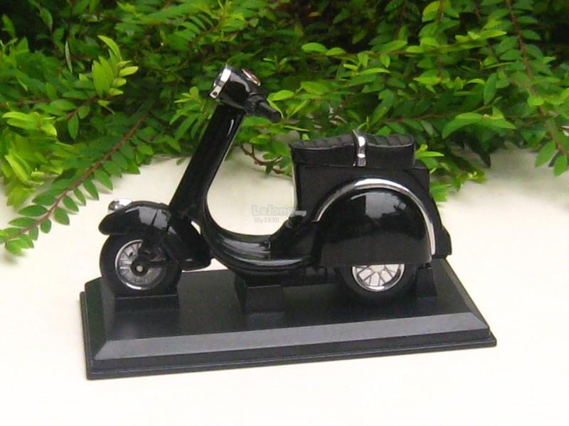 Novelty Table Lighter Motorcycle Bike Vespa Style (Black)