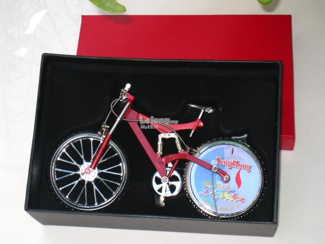 Novelty Table Lighter - Trendy Bicycle Lighter Shaped (Red) 21cm