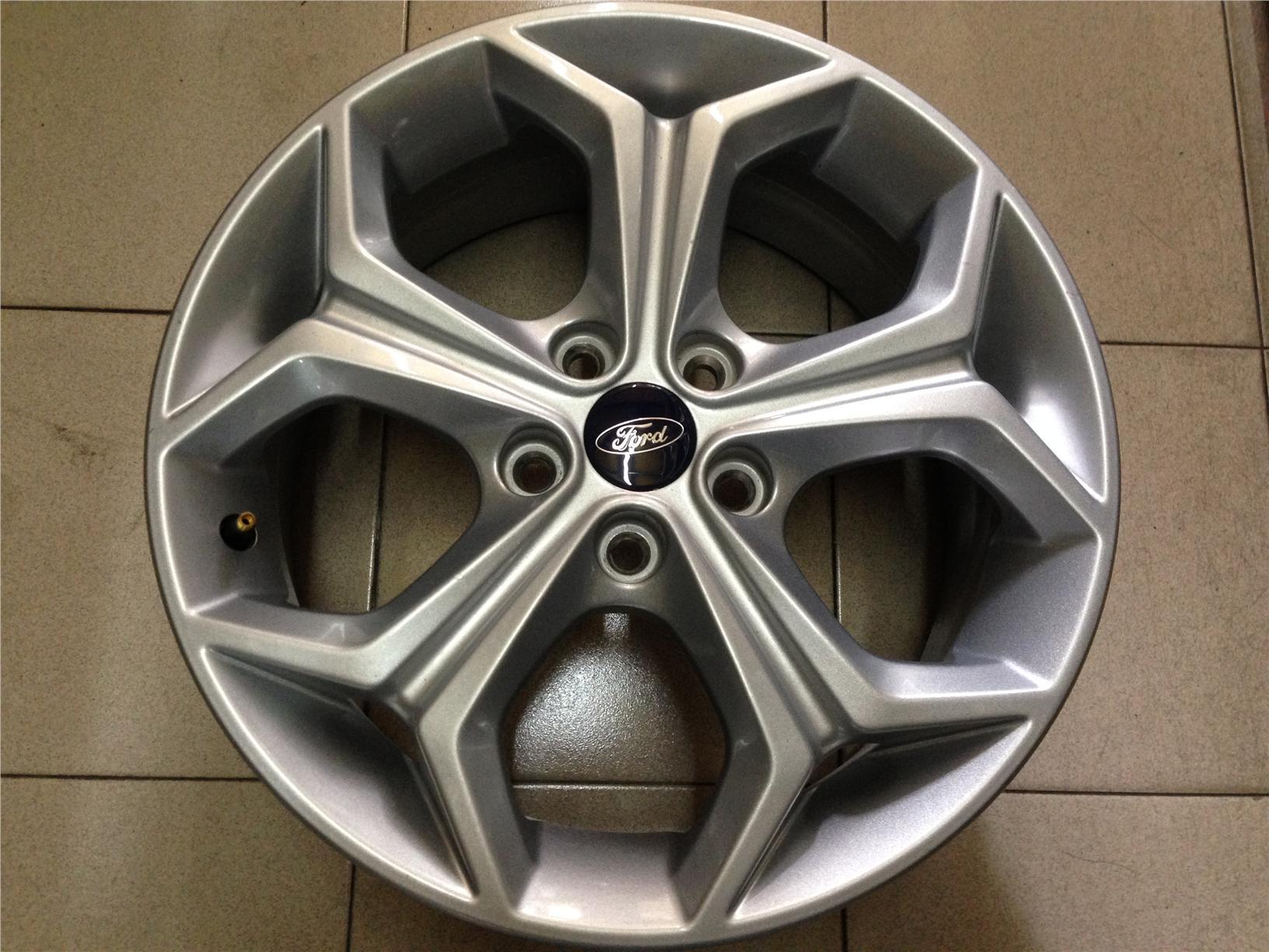 Original 17 inch ford focus st rim