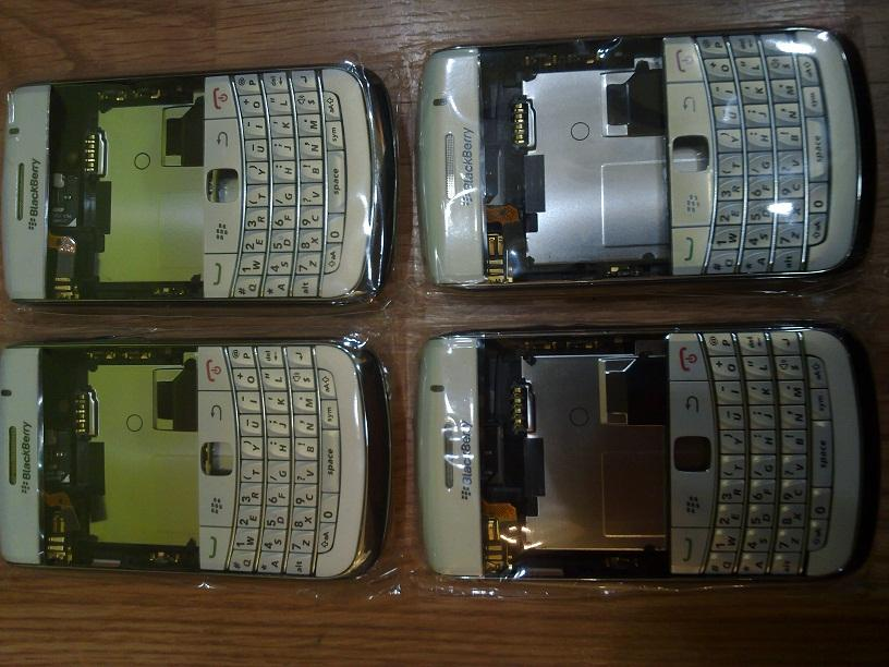 ORIGINAL BLACKBERRY FULL HOUSING 9780 PEARL WHITE