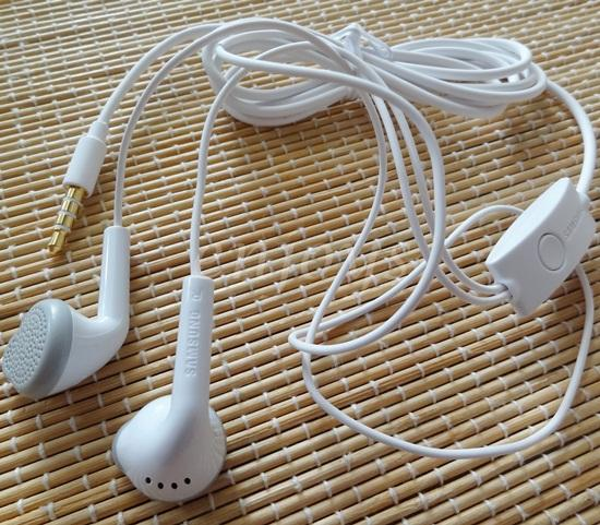 ORIGINAL Earphone Handsfree Samsung I9100 Galaxy S2 i8150 N7100 ~WHT