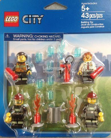 Original LEGO City Fireman Mini-Figure Accessory Set 850618 New Sealed