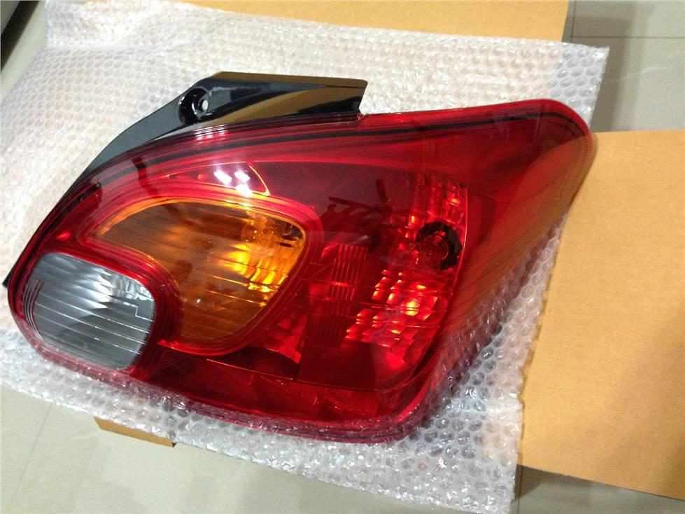 ORIGINAL MITSUBISHI MIRAGE TAIL LAMP ASSEMBLY