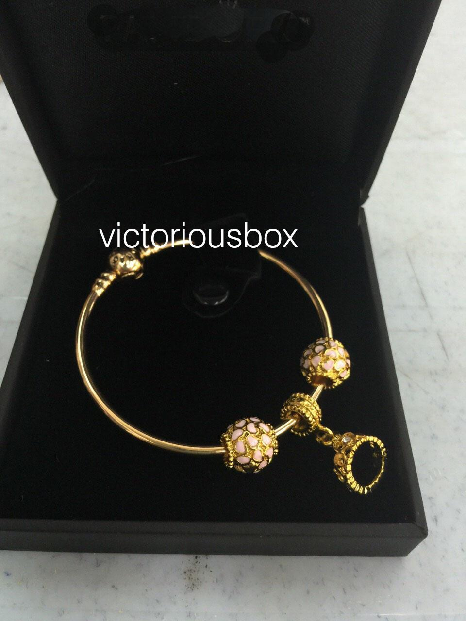 PAMPER YOURSELF WITH A 24K GOLD PLATED BANGLE SET - THE QUEEN