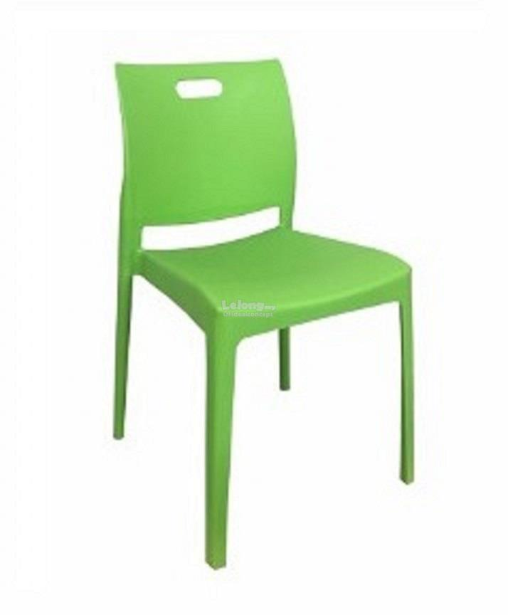 Plastic Chair / Dining Chair / Rest (end 8/21/2019 12:15 PM)