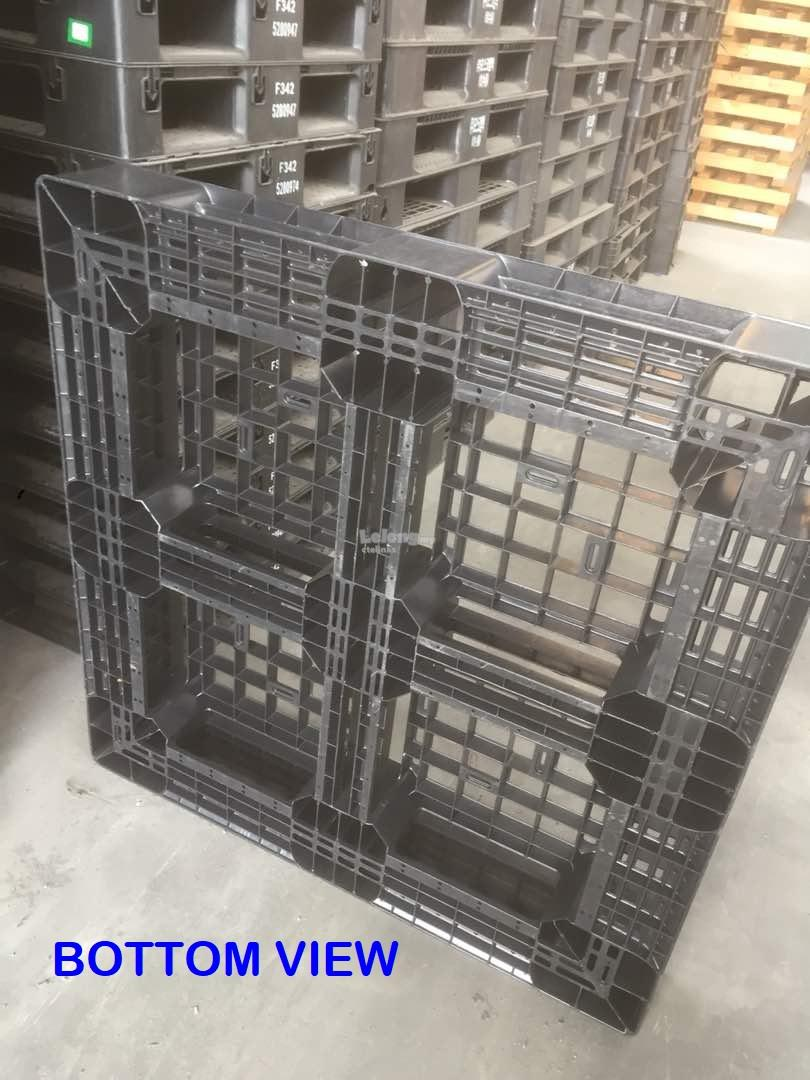 Used Plastic Pallet - 1100mm x 1100mm