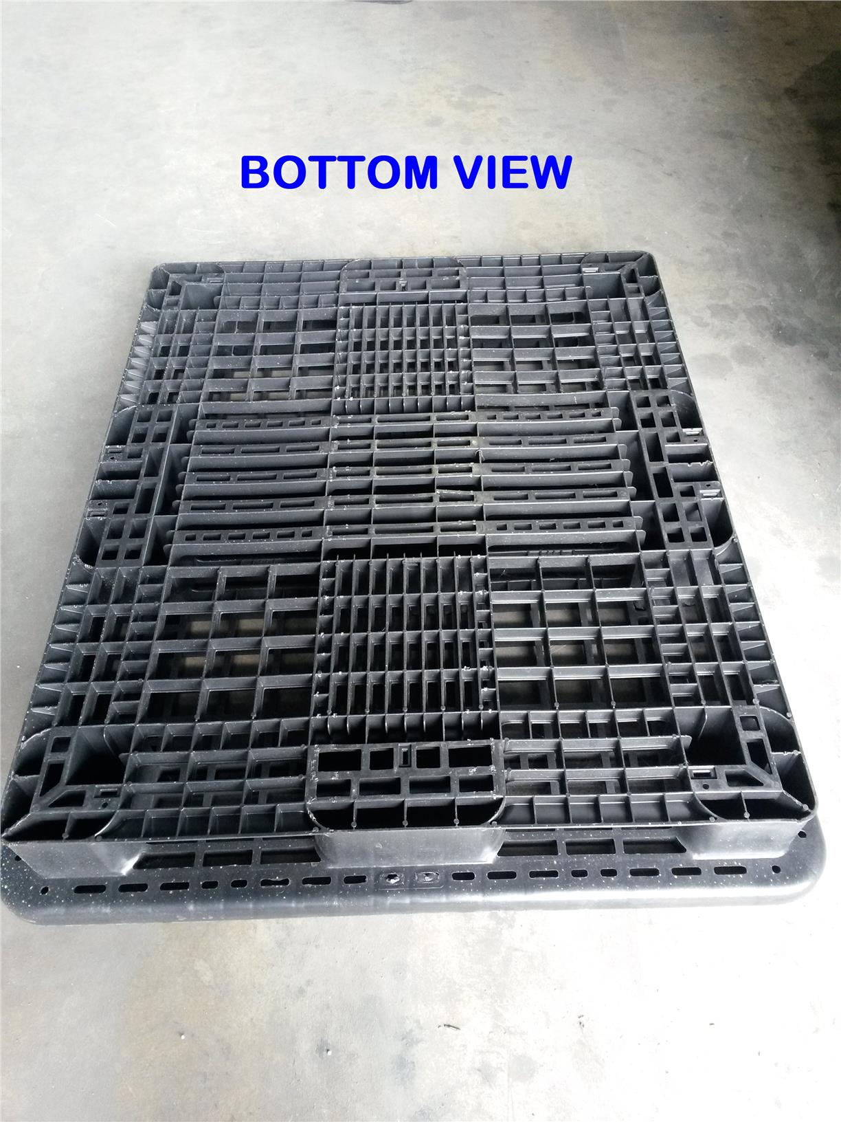 Used Plastic Pallet - 1300mm x 1100mm