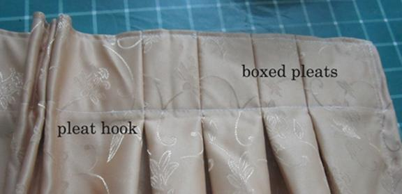 Pleat hooks white coated for curtains