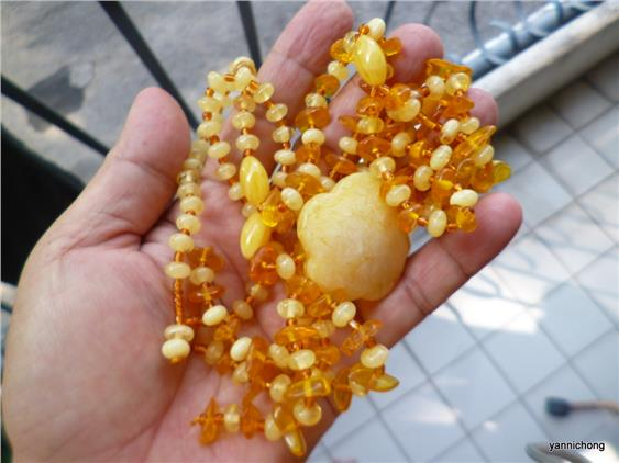 POLAND AMBER NECKLACE