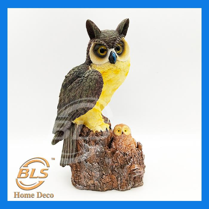 POLYRESIN HAND PAINTED OWL WITH LITTLE OWL DESIGN DECORATION