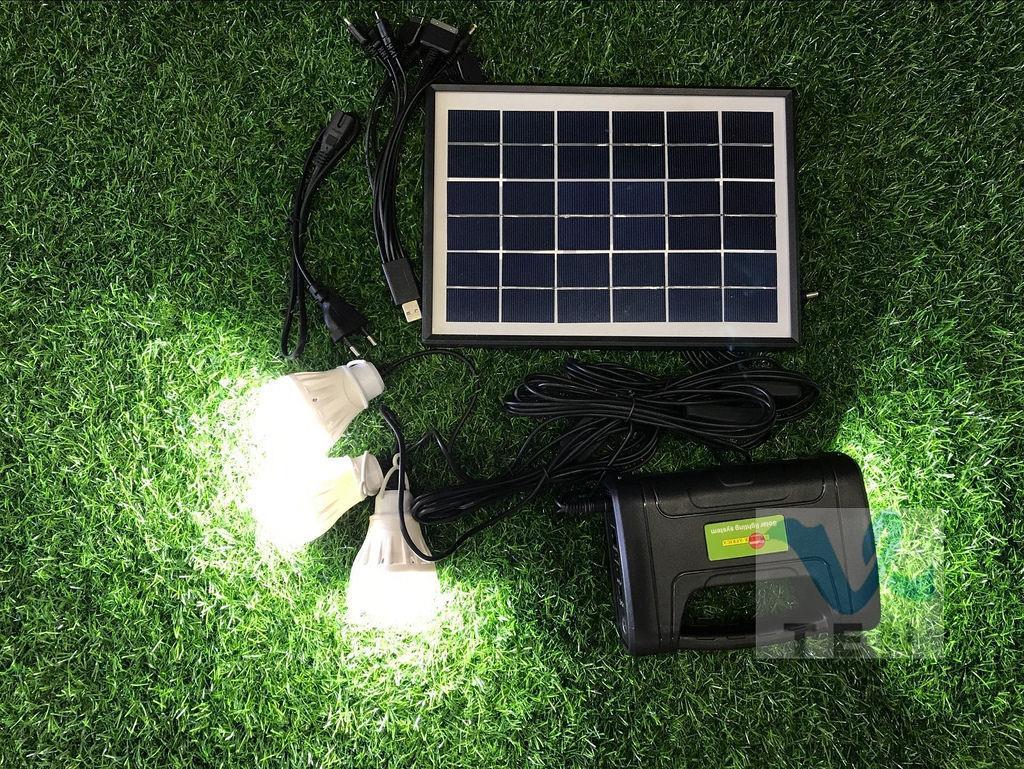 Portable 5W Solar Lighting System Camping Light With 3 Lamp Flashlight