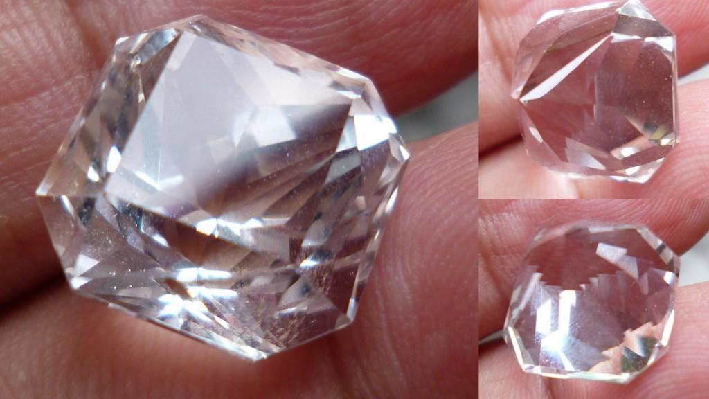 PRINCESS CUT  CLEAR  QUARTZ CRYSTAL 14 CTS