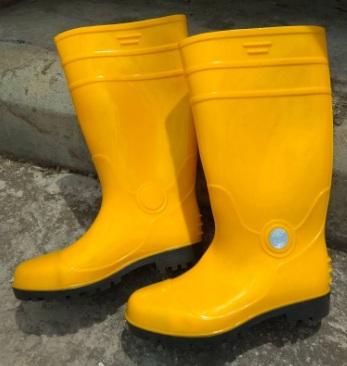 845cf550a3e5 PVC SAFETY YELLOW WELLINGTON BOOT WITH TOE CAP (PVC RAIN BOOT)