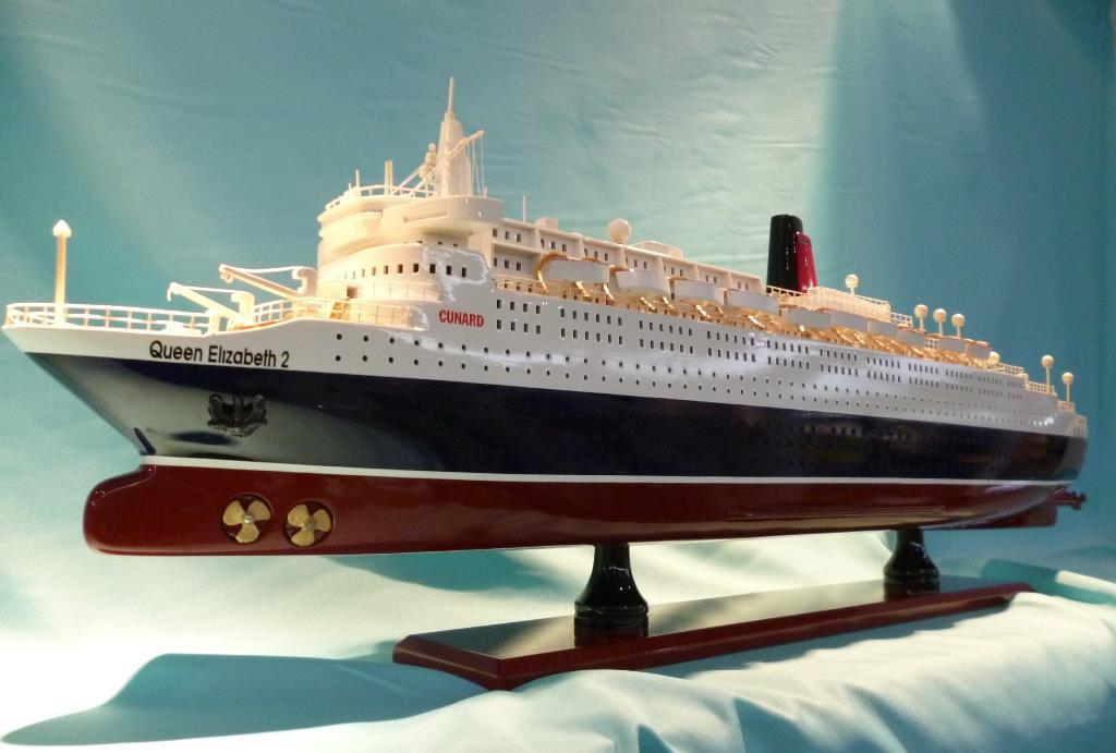 Queen Elizabeth Ii Cruise Ship Model End 5 17 2017 7 15 Pm