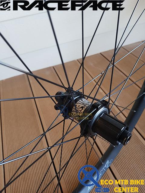 RACEFACE Wheelsets Aeffect R30 Front and Rear