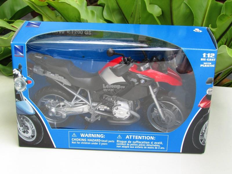 New Ray 1/12 Diecast Motorcycle 2006 BMW R1200GS Red