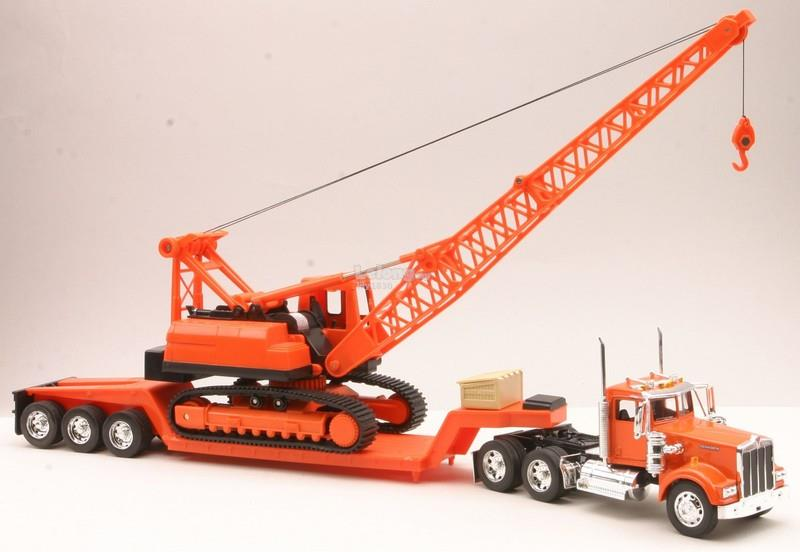 New Ray 1/32 Kenworth W900 Low Loader Carrier With Mobile Crane