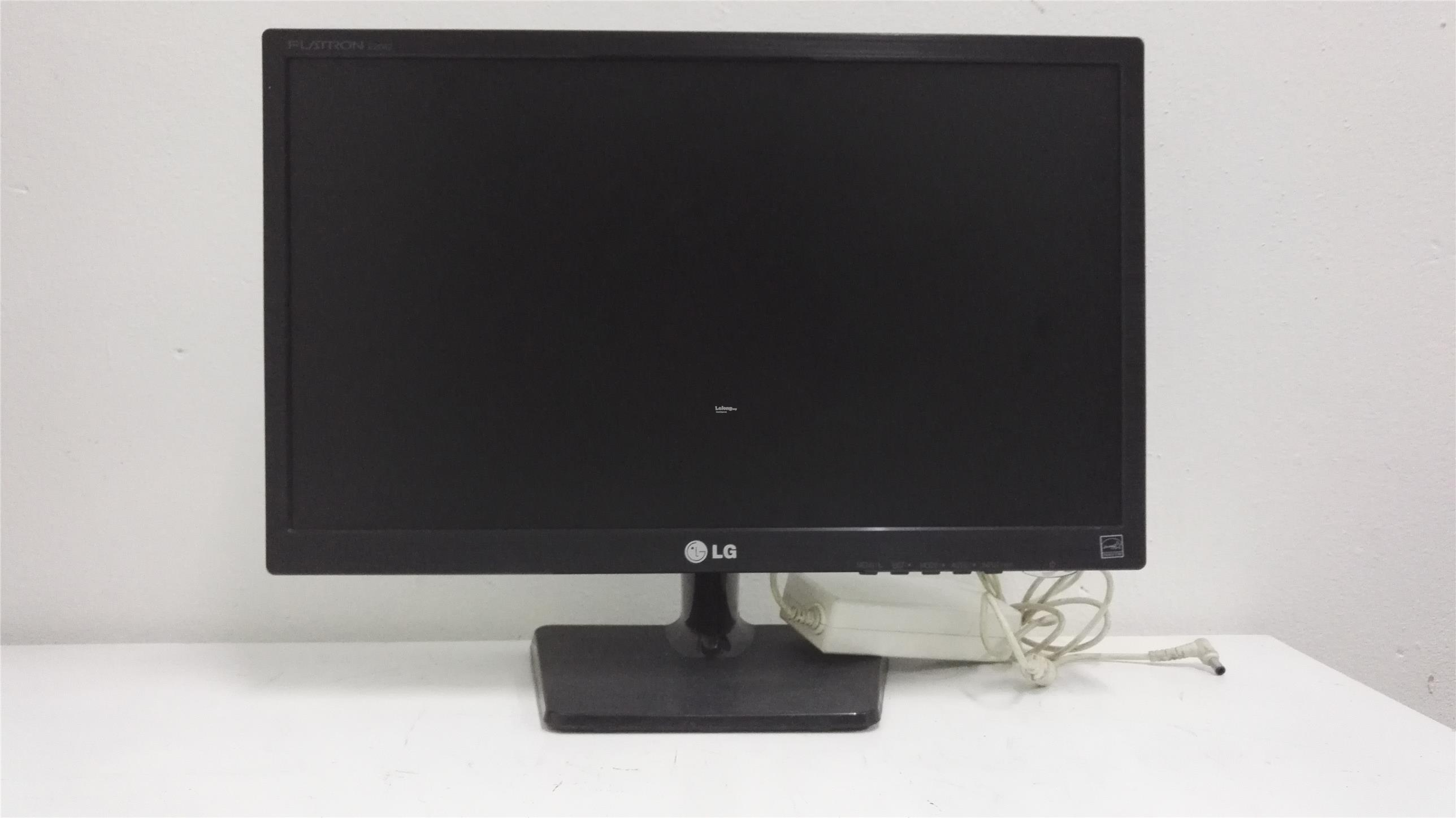 (REFURBISHED) LG 20' E2042CA  LCD MONITOR with adapter