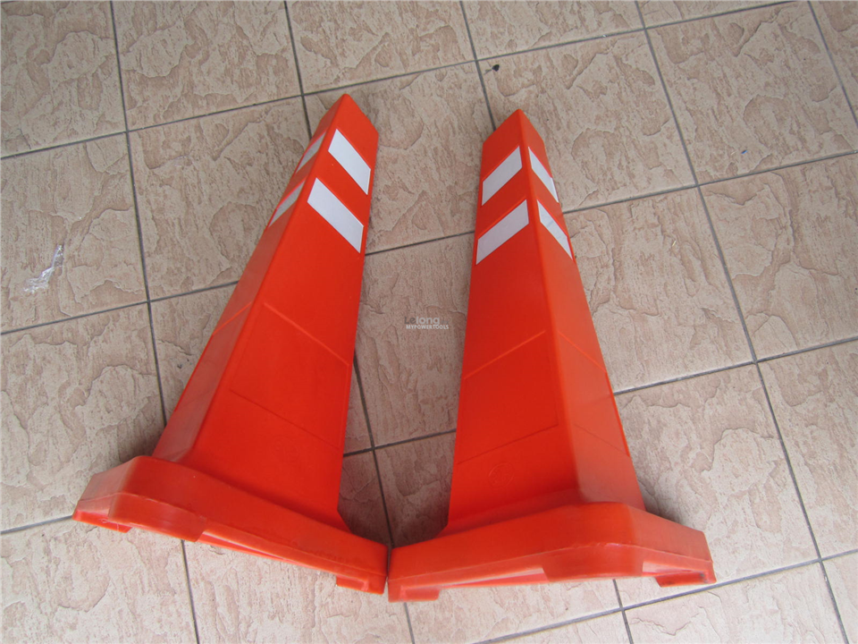 "MY Safety 28"" PE Triangular Traffic Cones"
