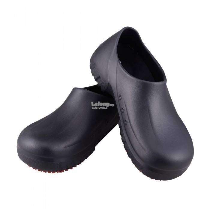 Safety Clogs (Black) - Slip resistant, Waterproof, Light weight