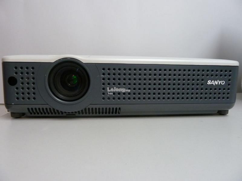 Sanyo PLC-XU78 LCD x3 Projector 3000 ANSI , 3000 hours