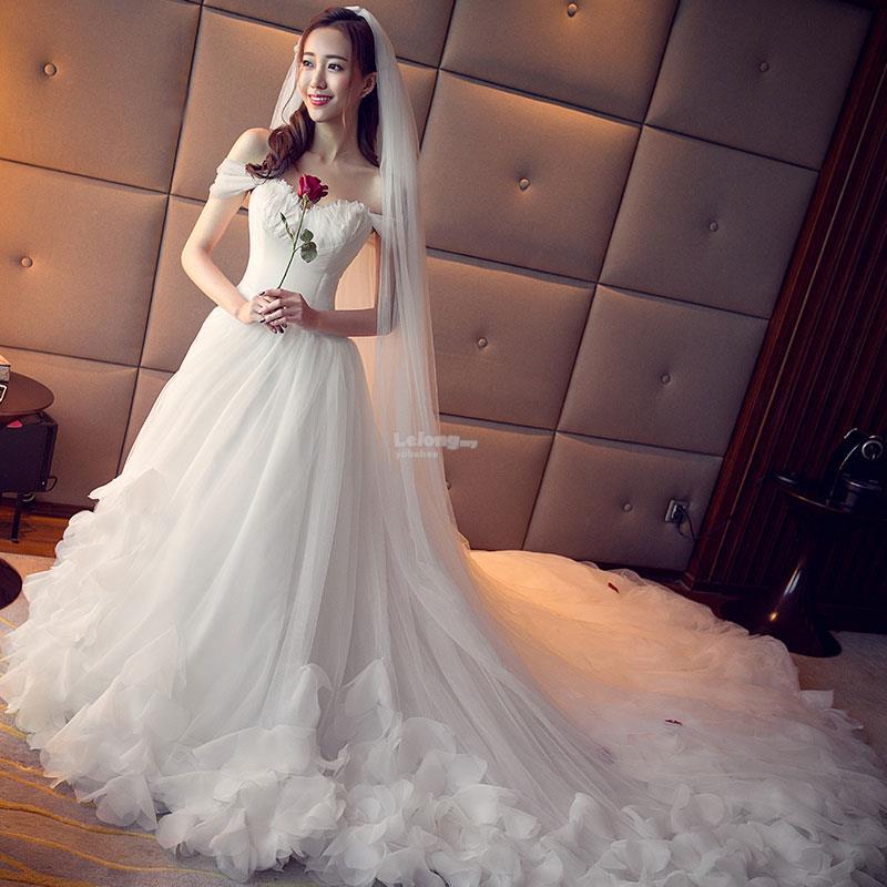 Off Shoulder Designer Wedding Gown (end 2/2/2019 10:15 AM)