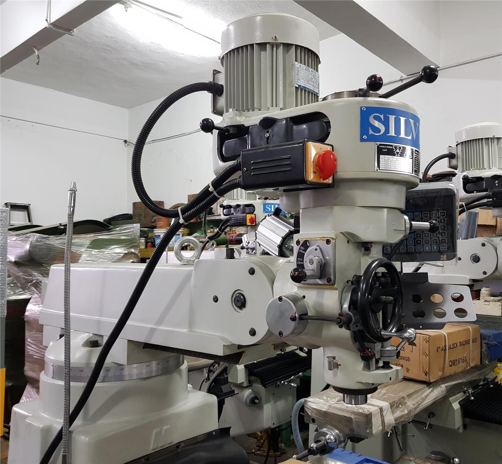 NEW SILVER VERTICAL TURRET MILLING MACHINE