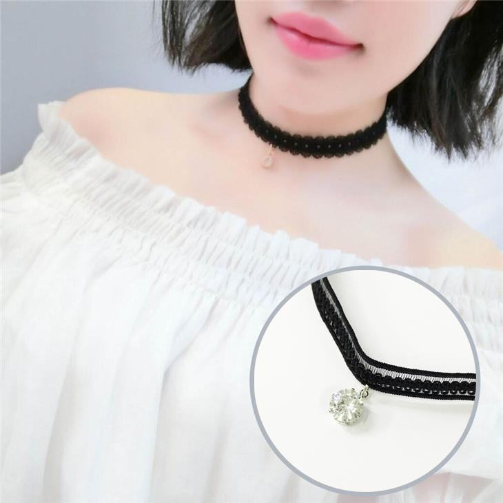 Simple Lace Clavicle Necklace (Diamond)
