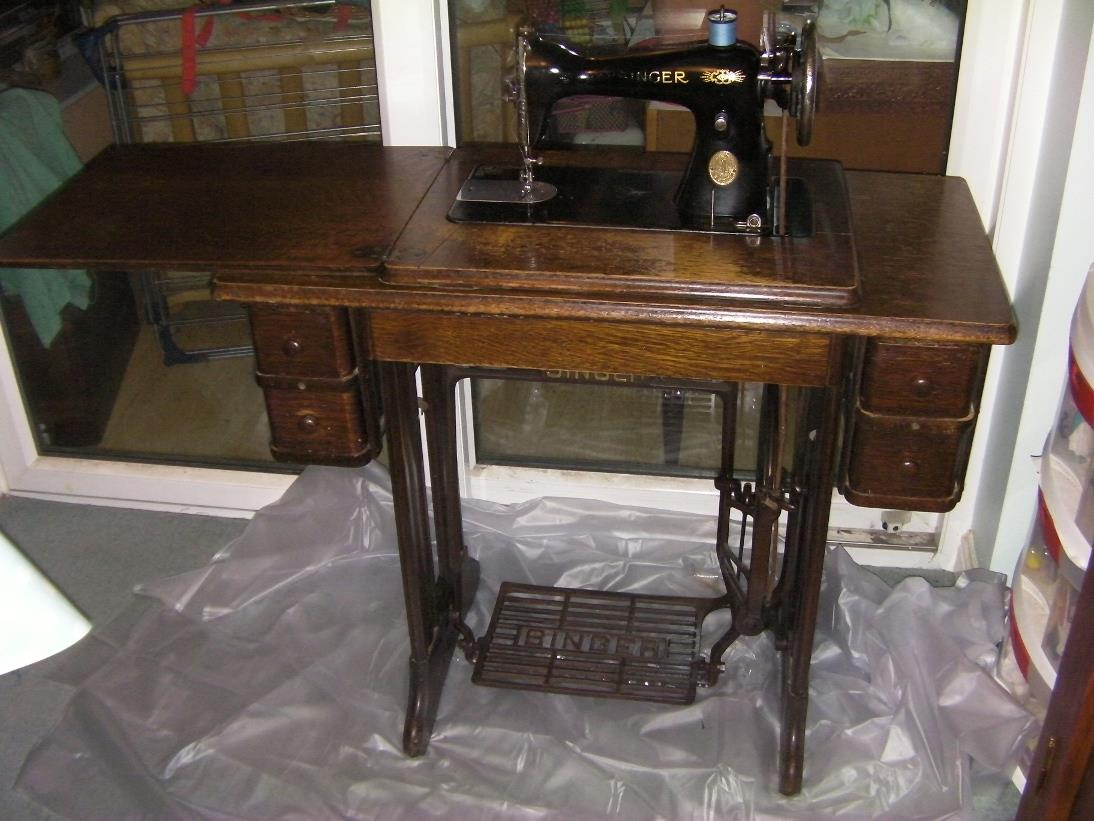 Groovy Singer Antique Sewing Machine Home Interior And Landscaping Transignezvosmurscom