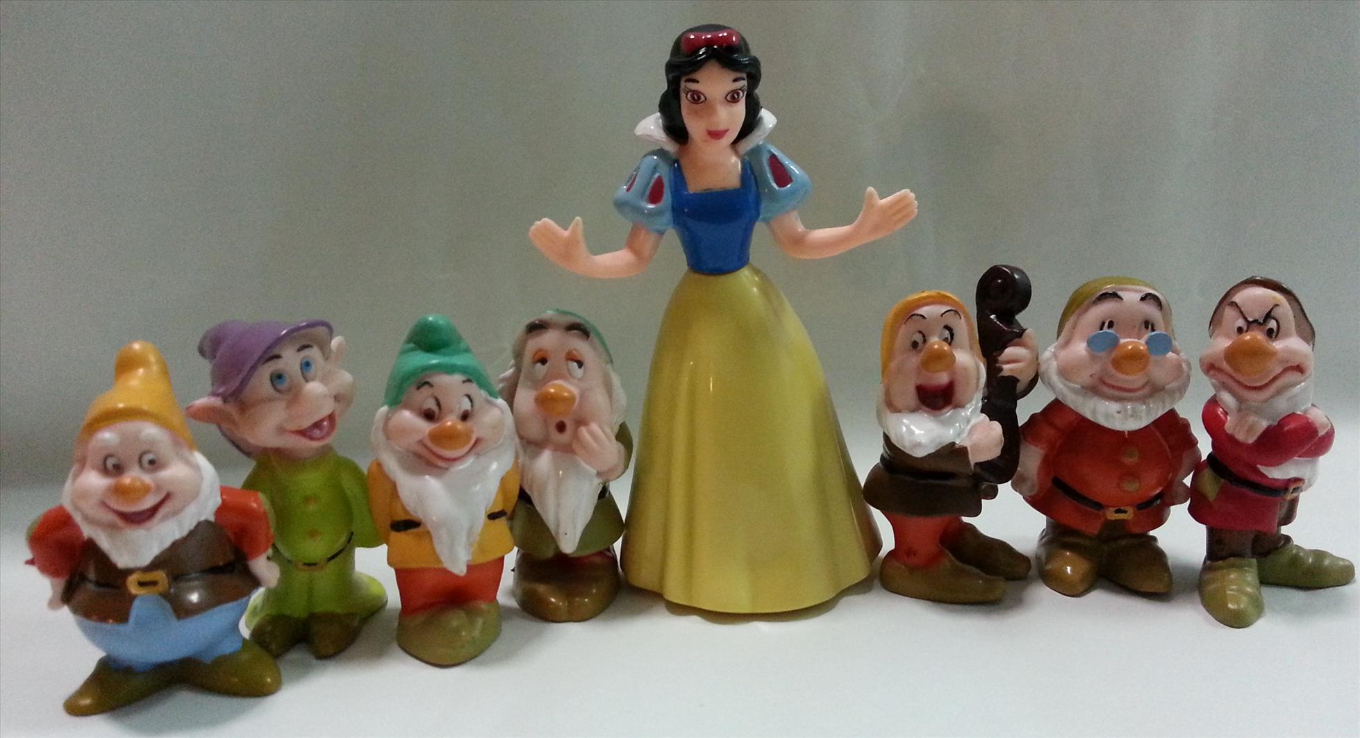 Snow White Seven Dwarfs Cake Toppers