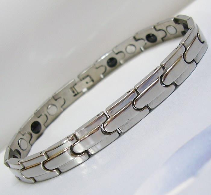 Stainless Steel Magnetic Bracelet Bio Health Wristband Lady Salsza SV