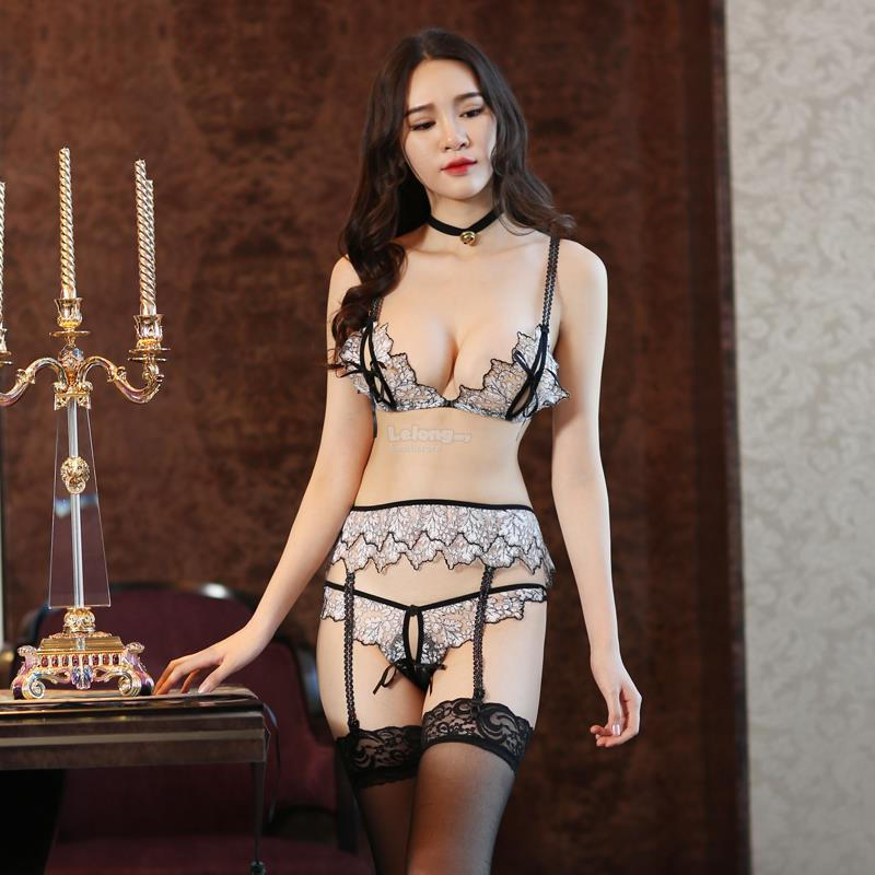 Strap tight-binding transparent sexy three-point lingerie set