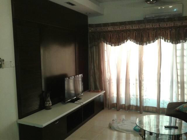 Sunway Suriamas Condo, 2 Car Parks, Fully Furnished, Bandar Sunway